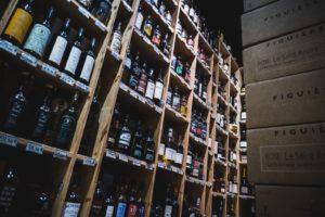 Rayonnage bouteille de la Cave de Jules